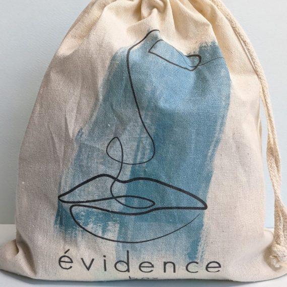 pochon visage box evidence